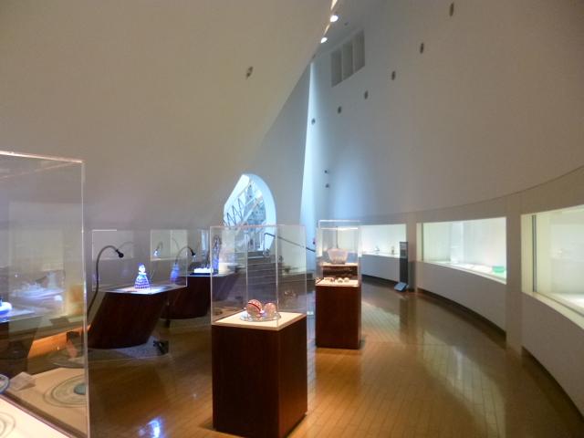 天井の高い展示室