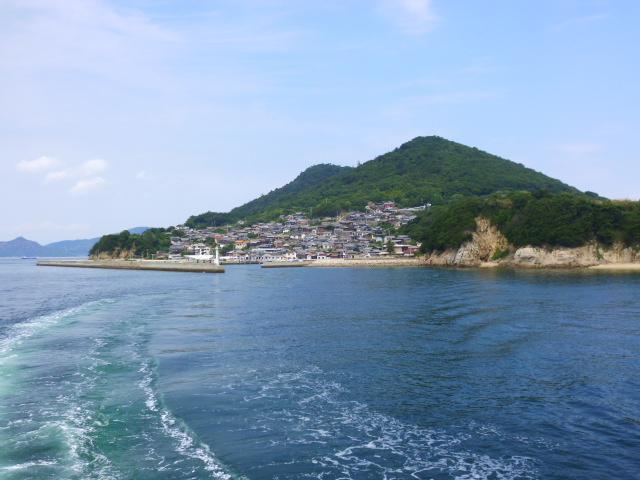 男木島のほうが斜面に並ぶ家の数が多いように思えますね