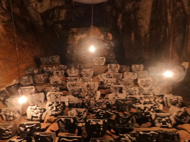本当に鬼の洞窟になってしまいました