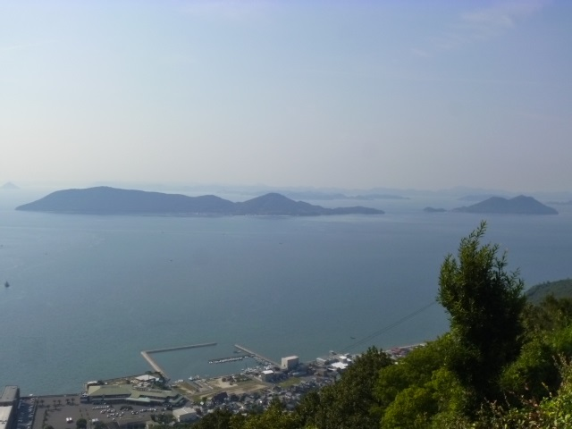 女木島と男木島