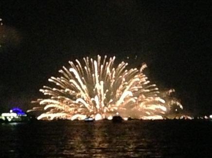 8112013宮島水中花火S2