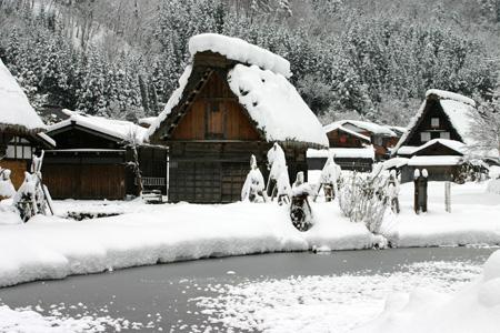何ていう美しい冬景色なんだろう ~世界遺産 白川郷合掌集落~②