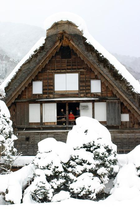 何ていう美しい冬景色なんだろう ~世界遺産 白川郷合掌集落~③