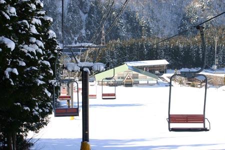 冬休みの旅行~スキー&温泉&合掌集落で冬の世界遺産 白川郷 思いのまま~①