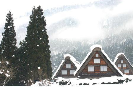 冬のぜいたくはコレ!寒い冬、旅をするならいっそ雪国の世界遺産 白川郷がいい~純白の銀世界&雪見を楽しみながら温かな温泉も堪能 ⑥