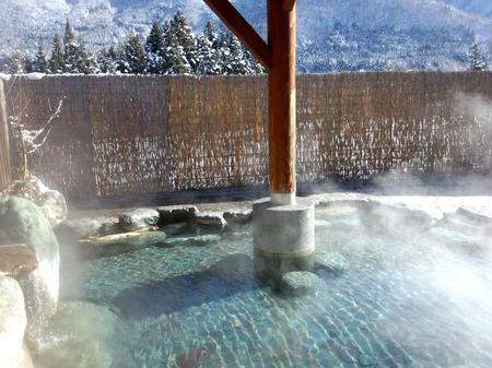 冬のぜいたくはコレ!寒い冬、旅をするならいっそ雪国の世界遺産 白川郷がいい~純白の銀世界&雪見を楽しみながら温かな温泉も堪能 ⑧