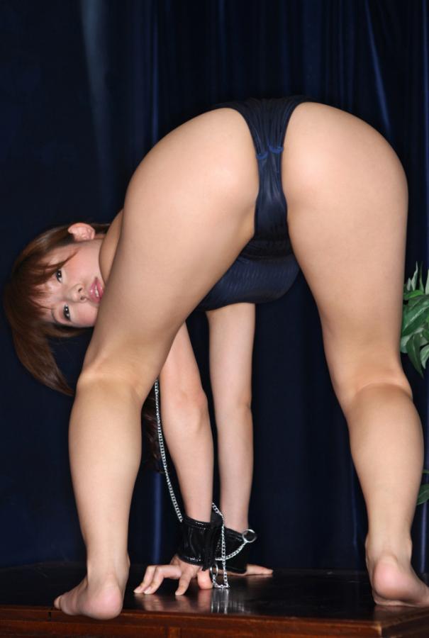 川奈栞 超大胆ビキニでロリかわセクシー画像集