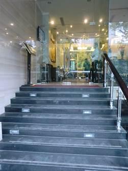 ハノイ デマントイドホテル エントランス1