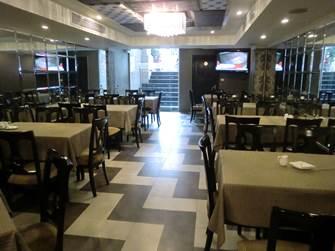 ハノイ デマントイドホテル レストラン 朝食会場 半地下にある