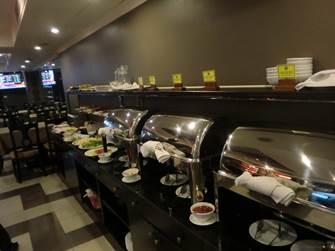 ハノイ デマントイドホテル レストラン 朝食会場 ビュッフェコーナー