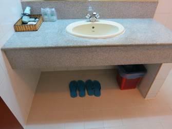 アジアンホテル 洗面台周り
