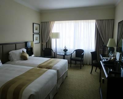 ホテルエクアトリアル デラックスルーム客室1
