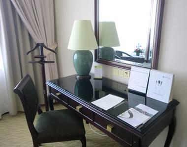 ホテルエクアトリアル デラックスルーム客室3