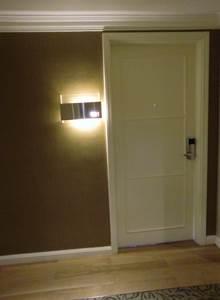ホテルエクアトリアル クラブデラックス客室ドア