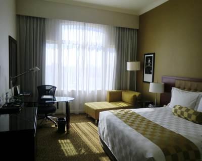 ホテルエクアトリアル クラブデラックス客室1