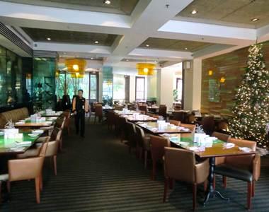 ホテルエクアトリアル チットチャットカフェレストラン3
