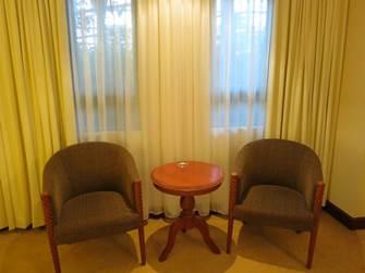 ハノイ フォーチュナホテル デラックス リビングスペース