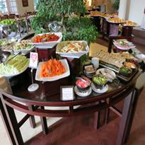 サンライズニャチャン インペリアルレストラン サラダバー 寿司コーナー