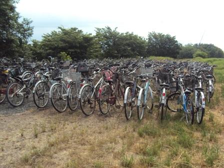 廃棄された自転車