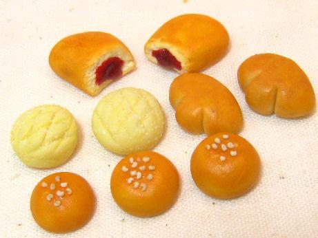 菓子パンたち1024