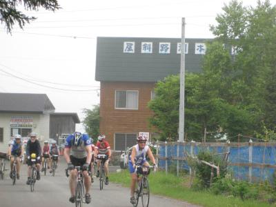 外人サイクリング部隊
