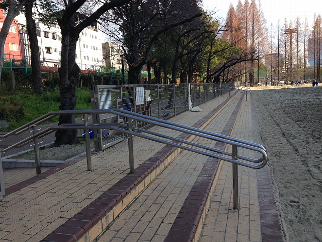 IMG_8812●今年2013年、柵がもうけられました