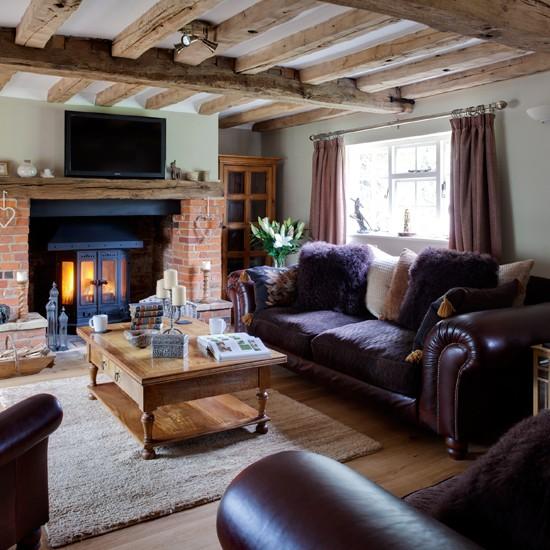 Beamed-and-Leather-Sofa-Living-Room-25-Beautiful-Homes-Housetohome.jpg