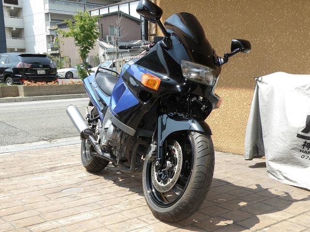 ZZR400399.jpg