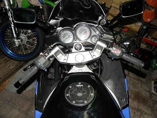 ZZR400402.jpg