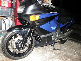 ZZR400407.jpg