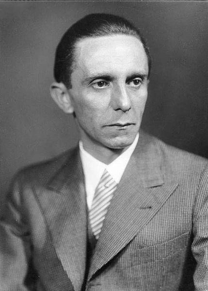 429px-Bundesarchiv_Bild_146-1968-101-20A,_Joseph_Goebbels