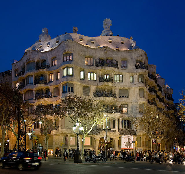 640px-Casa_Milà_-_Barcelona,_Spain_-_Jan_2007