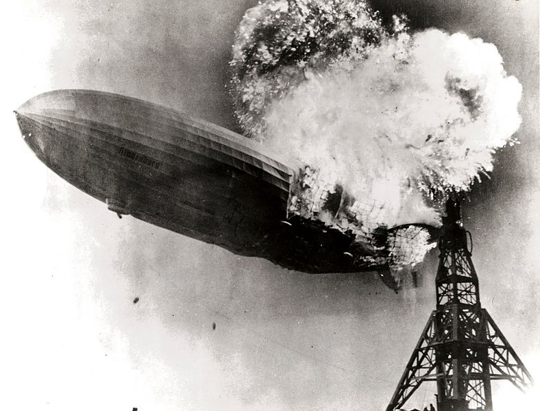 788px-Hindenburg_burning.jpg