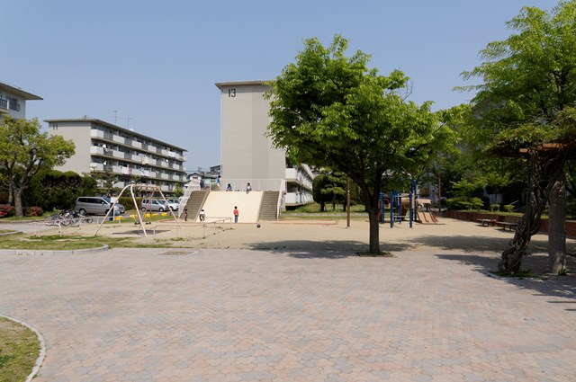 公団堤団地の広場その2
