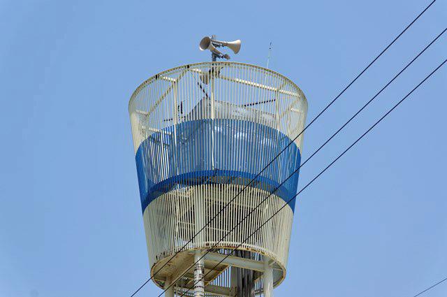 伊予市営鳥ノ木団地給水塔の頂部