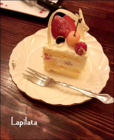 マキさん誕生日ケーキ断面