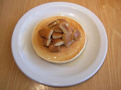 豆乳パンケーキ はちみつ(はちみつバター¥750)