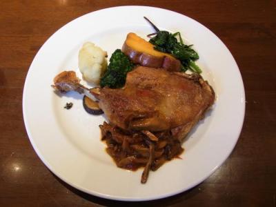 la Terre maison(フランス産鴨肉のコンフィ 有機野菜のガルニチュールを添えて¥1260)