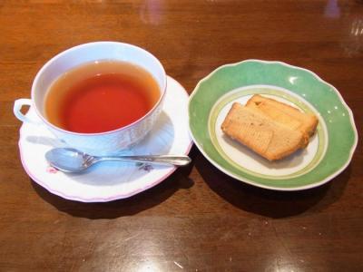 la Terre maison(セットの紅茶・なかなかハーフサイズ)