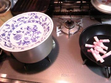 お皿を温める私