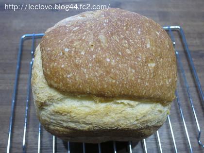 2014年の初焼きパンは、フランス食パン