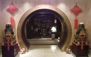 創業75周年の神戸飯店。コレが入口!