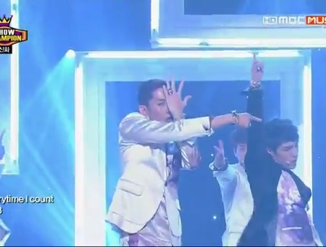 20130522 (SHINHWA) - This love - YouTube.flv_000182382
