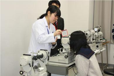 【視能訓練士科】大型弱視鏡の体験