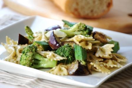 緑の野菜のリボンパスタw