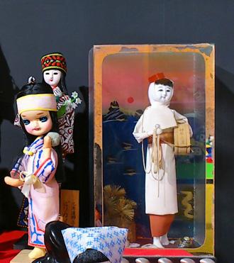 _039いやげ物人形10