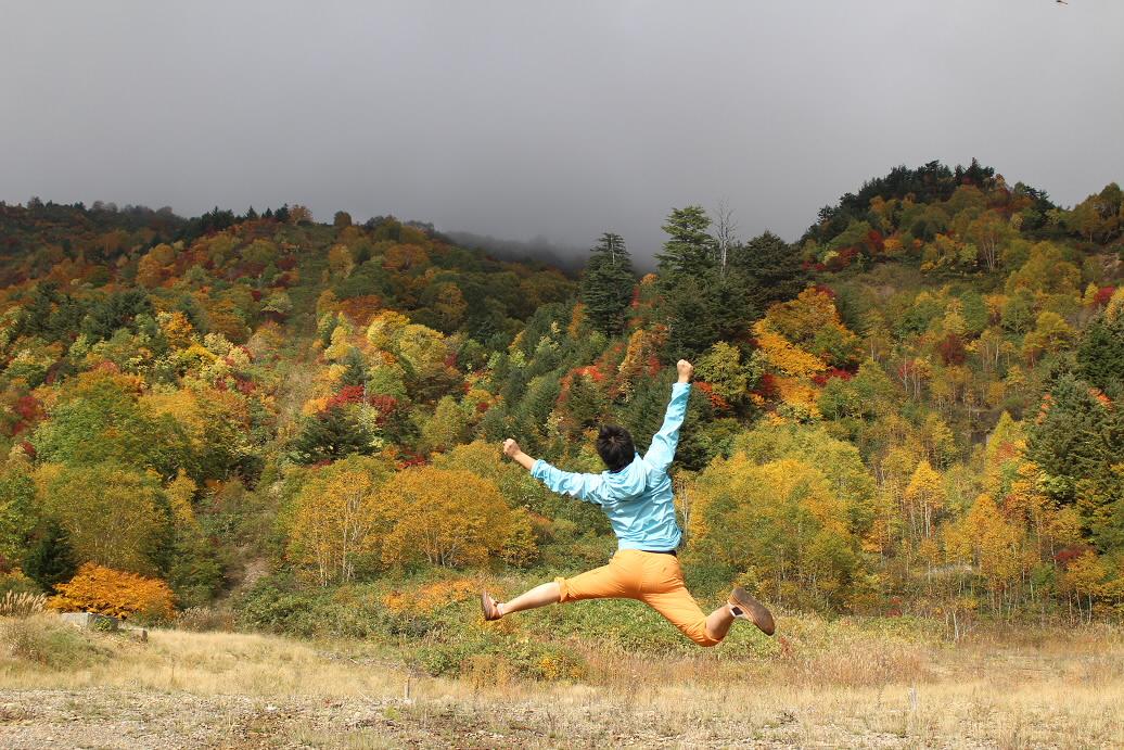 スキー場跡周辺01(2013.10.10)ジャンプ!