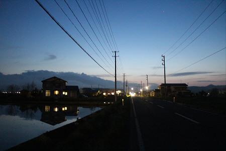 夜水田と花輪線02(2013.5.16)