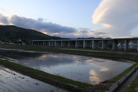 夕方田んぼのある風景11(2013.5.23)