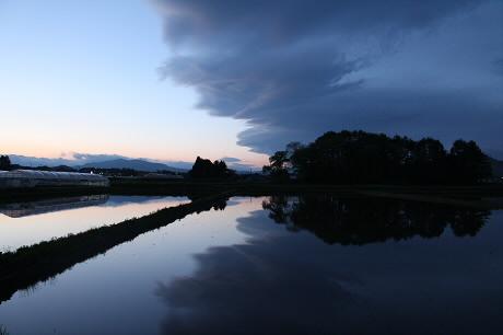 西根夕方田んぼのある風景06(2013.5.23)